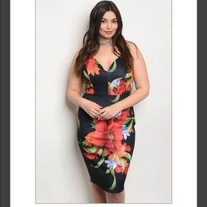 Dresses & Skirts - Plus Size Black Floral Dress